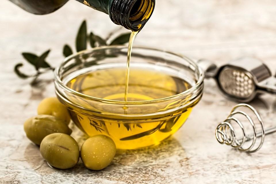 Оливковое масло и витамины фото